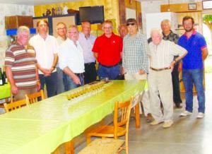 Lors du reportage sur la truffe à Rhotonod avec toute l'équipe autour de Louis Moulin 98 ans.