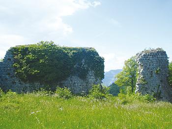 Ruines de Château Neuf ballad et vous