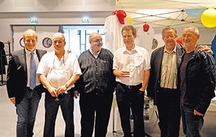 Photo (de G. à D.) : Michael Jones, Jean Chaudet, Eric Angelot, Jean-Pierre Falconnier, Gabriel Valentino, le conférencier.