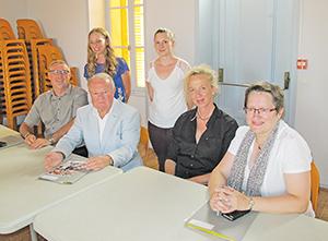Photo (de G. à D.) : Jean-Marc Vivier, Daniel Bondot, Karine Renoux, Martine Dufour et les secrétaires.