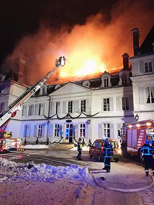 Château Divonne incendie 1 ballad et vous